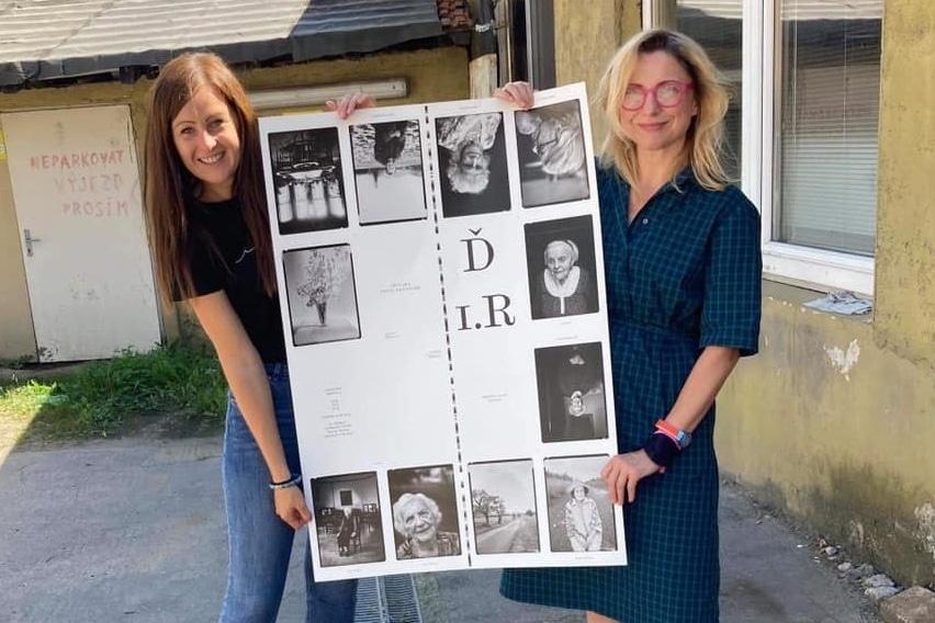Jana Poncarová a fotografka Dita Pepe při přípravě knihy.